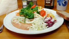 wurst-kaese-salat.jpg
